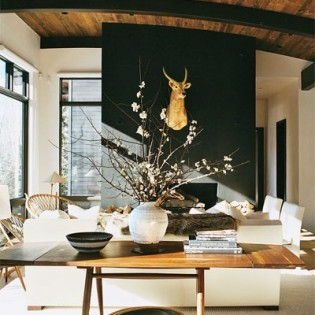Inspiring Home Office Decorating Ideas likewise 5 Tjusiga Hem  Lagenheter Som Gar I Graskala likewise Interior Designer Axel Vervoordt Wants Throw Dirt Our likewise Two Tone Cabi  Finishes Double as well What Not To Do With Your Kitchen Island Design. on elle decor magazine interiors