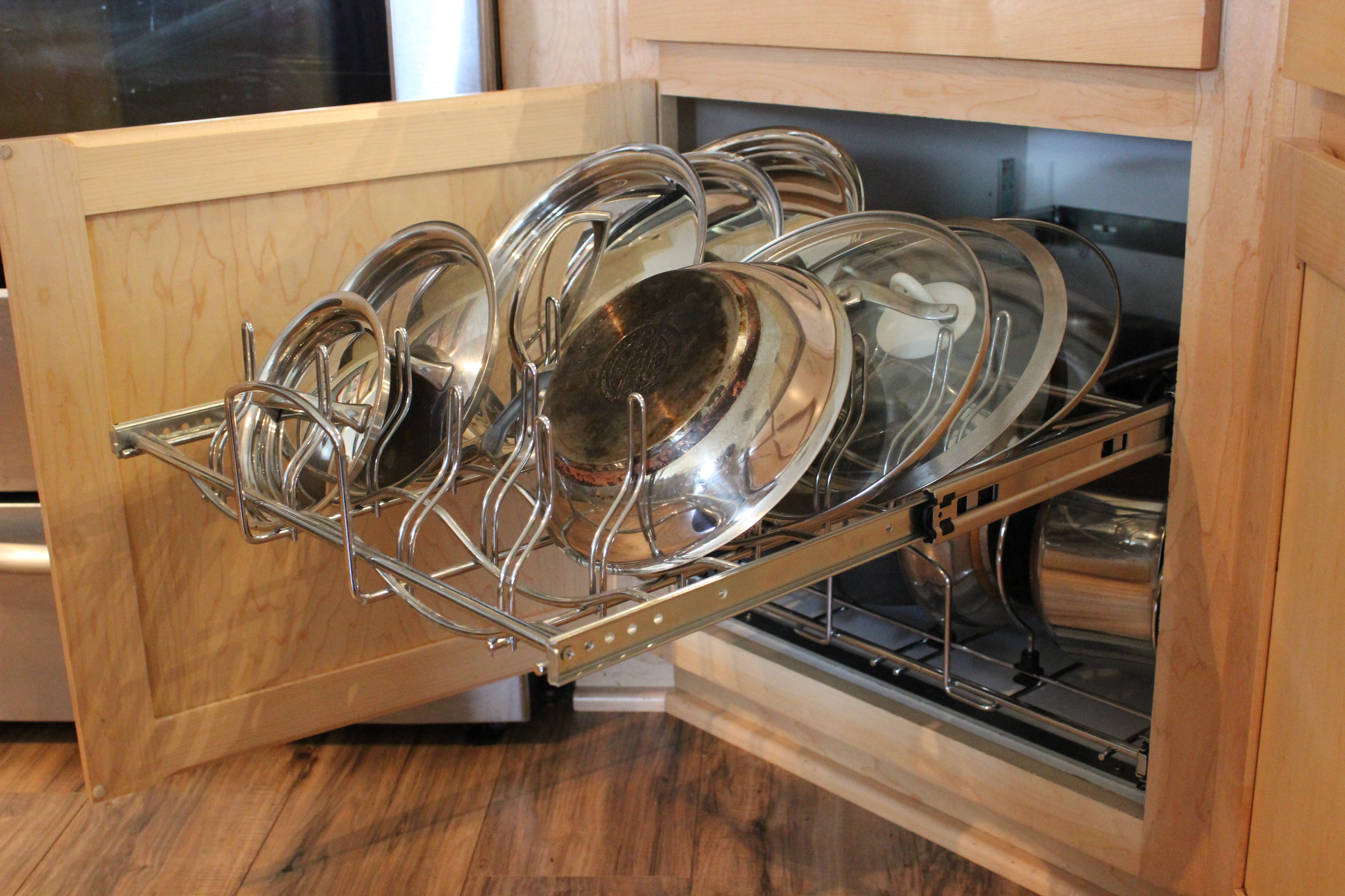 cookware pull-out, pots and pans storage, kitchen pans storage,